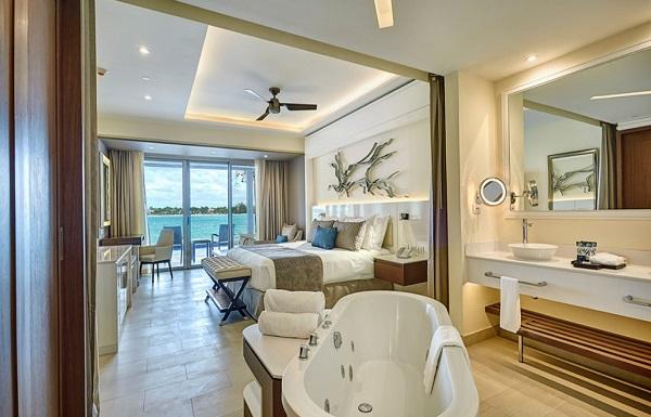 Diamond Club™ Luxury Junior Suite
