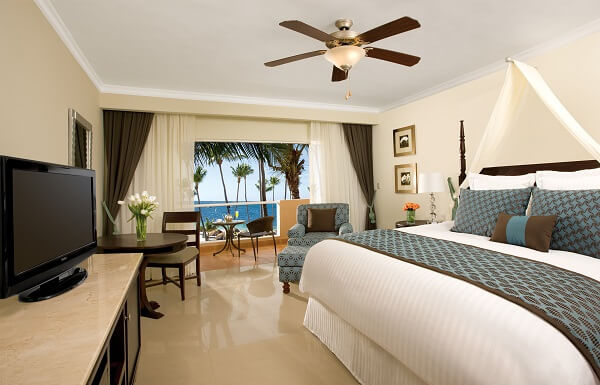 Preferred Club Deluxe with Jacuzzi Ocean View