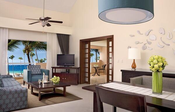 Preferred Club Honeymoon Suite with Jacuzzi Ocean View
