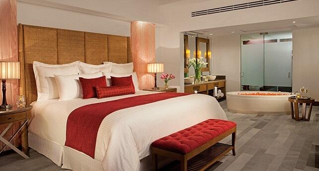 Preferred Club Master Suite Oceanfront