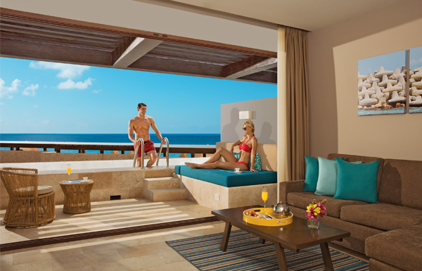Preferred Club Junior Suite Swim Out Ocean View