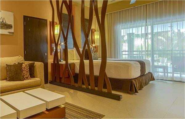 Ocean Front Luxury Suite